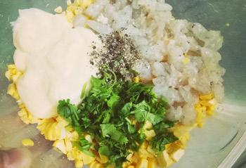 Nem ngô tôm sốt mayonnaise lạ miệng - 2