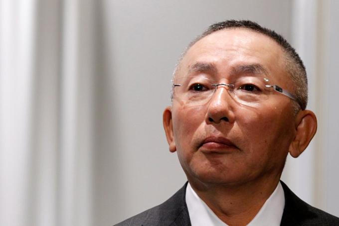 Là người giàu nhất xứ sở mặt trời mọc nhưng ông Tadashi Yanai và các thành viên trong gia đình có lối sống kín đáo.Tài sản, bao gồm một nhà bảo vệ, một phạm vi lái xe và một quán trà mái tranh riêng biệt, ước tính trị giá khoảng 50 triệu đô la trong năm 2017. Yanai đã mua mảnh đất này trong một cuộc đấu giá với giá 78 triệu đô la vào năm 2001.