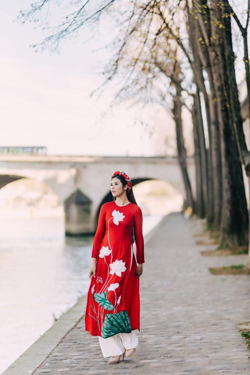 Áo dài đỏ gửi gắm ước vọngmy mắn trong dịp hỷ sự, là lự chọn được nhiều cô dâu yêu thích.