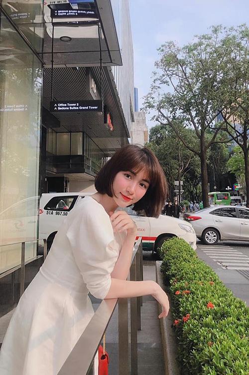 Năm 2018, Hòa Mizy bị gắn biệt danh nữ hoàng xin lỗicủa showbiz Việt khi dính loạt scandal xâm phạm đời tư, mắc bệnh ngôi sao, nặng lời với fan khi bị góp ý về âm nhạc...Sau những sóng gió, Hòa Minzy dần trưởng thành hơn, biết tiết chế hơn trong lời nói, hành động.