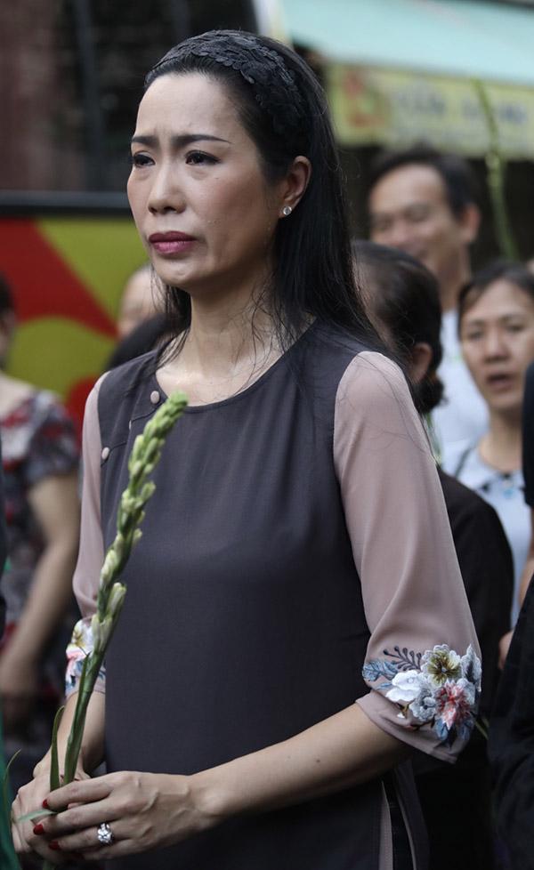 Trịnh Kim Chi nghẹn ngào tiễn biệt cố danh hài.