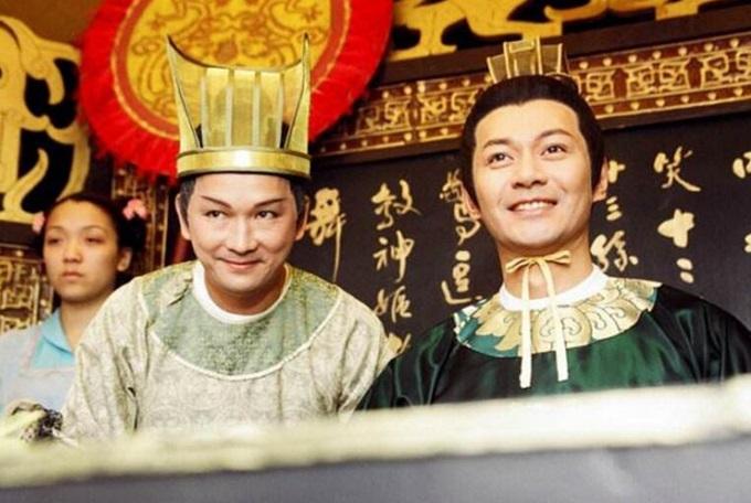 Giang Hoa (phải) là hoàng đế đáng nhớ nhất trong phim TVB.