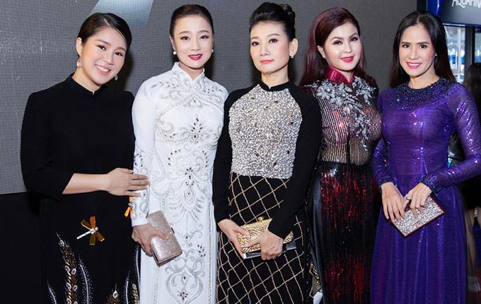 Nghệ sĩ Mỹ Duyên, diễn viên Yến Vy và nhiều gương mặt quen thuộc của làng giải trí cũng góp mặt tại sự kiện này.