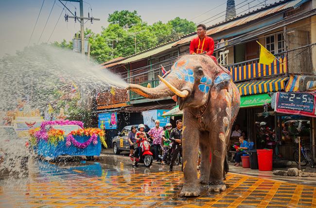 Sắp đến Tết té nước, lên kế hoạch đi Bangkok ngay và luôn - 1
