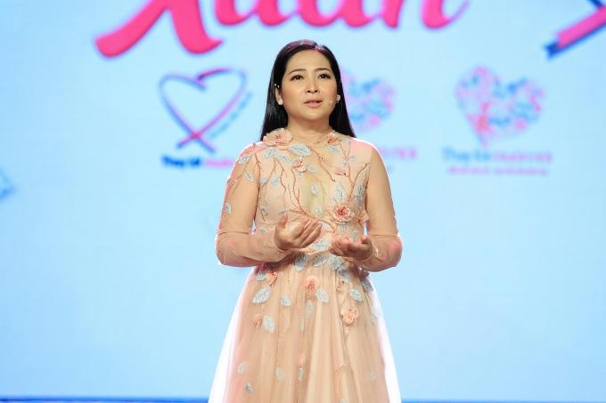 MC Quỳnh Hương khóc chia tay Thay lời muốn nói