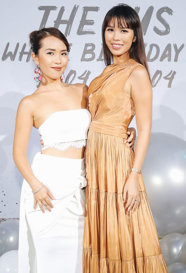 Hà Anh và em gái mở tiệc sinh nhật chung