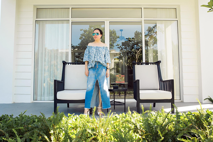 Phượng Chanel tạo dáng thần thái khi đi nghỉ dưỡng cùng bạn trai Quách Ngọc Ngoan ởPhú Quốc.