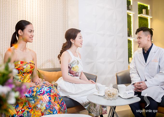 Miss Golden World 2018 chia sẻ, ngôi vị hoa hậu mang đến cho cô nhiều trải nghiệm, nhưng bản thân cũng luôn áp lực với việc duy trì nhan sắc. Tuy nhiên với sự hướng dẫn của Chủ tịch hệ thống Saigon Smile Spa, cô ngày càng tự tin với việc chăm sóc sắc đẹp của bản thân. Người đẹp cũng cho biết, cô nhận được nhiều sự hỗ trợ, cố vấn về làm đẹpcủa Chủ tịch hệ thống Saigon Smile Spa trongquá trình cuộc thi diễn ra tại Mỹ hồi tháng 11/2018.