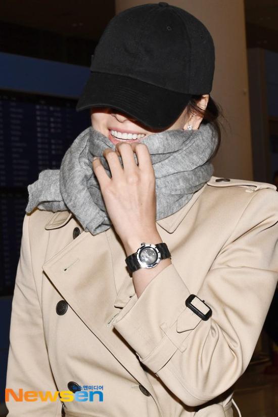 Song Hye Kyo kín cổng cao tường về Hàn Quốc - 1