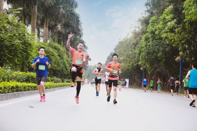 Giải chạy được tổ chức bởi những cư dân yêu chạy bộ đang sinh sống tại khu đô thị cùng sự hỗ trợ của chủ đầu tư - Tập đoàn Ecopark. Ban tổ chức cho biết Ecopark Marathon sẽ là giải chạy hằng năm, diễn ra vào đúng ngày giỗ tổ Hùng Vương với ý nghĩa hướng đến truyền thống, cội nguồn dân tộc. Tương lai không xa, giải chạy sẽ được nâng tầm quy mô thành giải Marathon quốc tế.