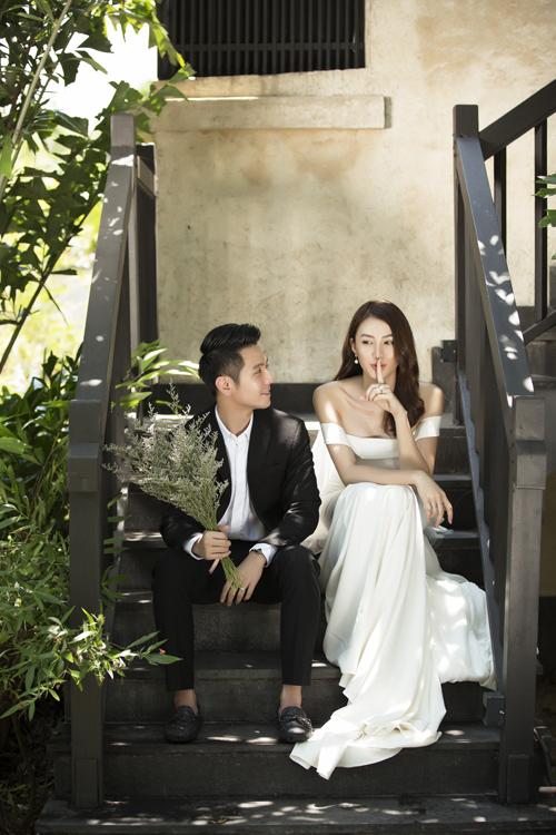 Uyên ương tất bật chuẩn bị cho đám cưới sẽ diễn r vào ngày 30/4 tại Gi Li.