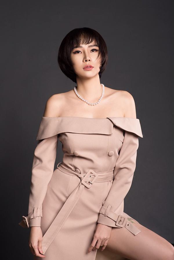 Sau nhiều lùm xùm tình cảm, Dương Yến Ngọc đã lấy lại được cân bằng trong cuộc sống và thường xuyên chia sẻ bí quyết hạnh phúc trên trang cá nhân.