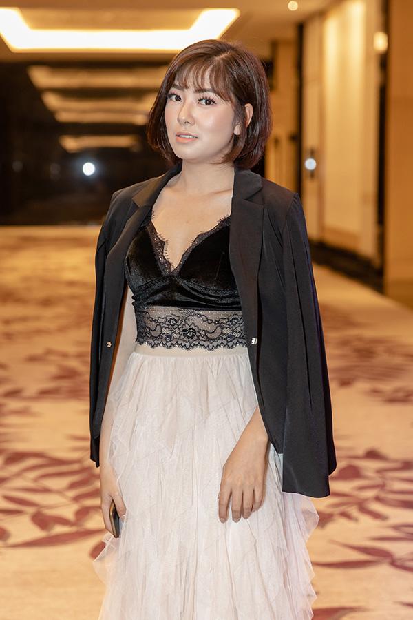 Huyền Trang là một trong số ít nữ diễn viên tham gia phim Mê cung. Cô vào vai Hiền - một chuyên viên khám nghiệm hiện trường, tính tình nền nã, tỉ mỉ và chu đáo.