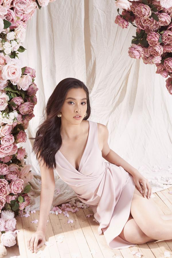 Hoa hậu VN 2018 Tiểu Vy chính là ngườiđầu tiên khoác lên mình những thiết kế mới nhất.