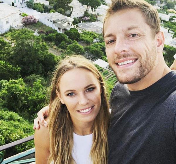 Tay vợt cựu số một thế giới và ngôi sao bóng rổ David Lee đính hôn tháng 11/2017, 9 tháng sau khi công khai tình yêu. Ngày cưới của cặp sao chưa được tiết lộ nhưng một số nguồn tin cho rằng hôn lễ sẽ diễn ra vào mùa hè.