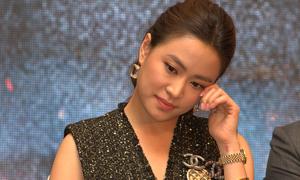 Hoàng Thuỳ Linh rơi nước mắt ngày trở lại phim truyền hình