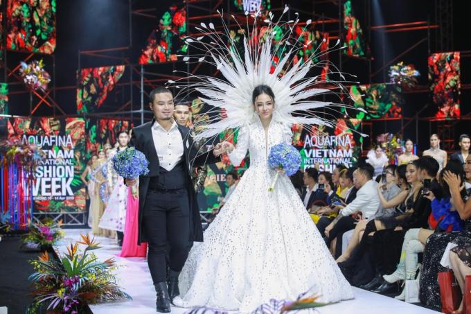 Lejour flower đồng hành cùng Đức Vincie tại Tuần lễ thời trang Việt Nam - 1