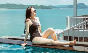 Phượng Chanel diện áo tắm khoe đường cong ở Phú Quốc