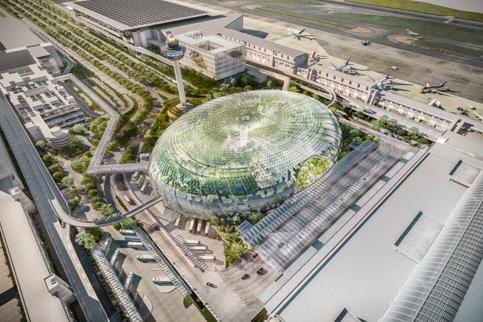 Sau hơn 5 năm lên ý tưởng, thiết kế và thi công, đơn vị quản lý sân bay Changi (Singapore) đã chính thức công bố tổ hợp Jewel Changi Airport sẽ được mở cửa đón khách vào ngày 17/4.Tổ hợp Jewel Changi Airport được mong chờ sẽ chính thức mở cửa đón khách từ ngày 17/4 và kết nối 3 trong 4 nhà ga của sân bay này.