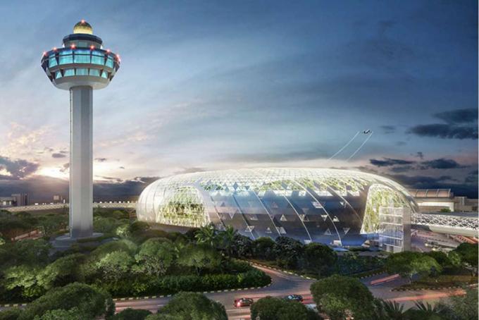 Changi hiện là sân bay sôi động thứ 7 trên thế giới về lưu lượng khách quốc tế. Năm ngoái, sân bay này đón lượng khách kỷ lục 65,6 triệu lượt. Sân bay này cũng được tổ chức hàng không Skytrax đánh giá là sân bay tốt nhất thế giới 7 năm liên tiếp.