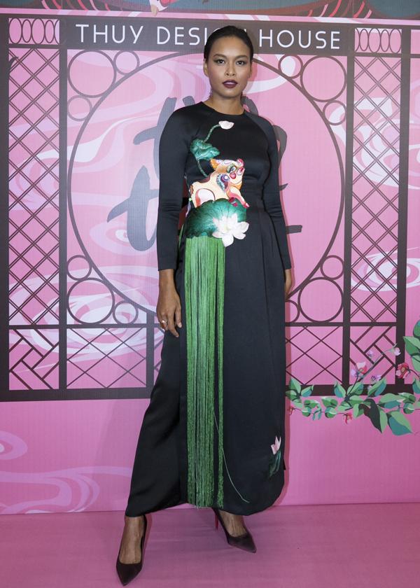 Người mẫu Lâm Thu Hằng.