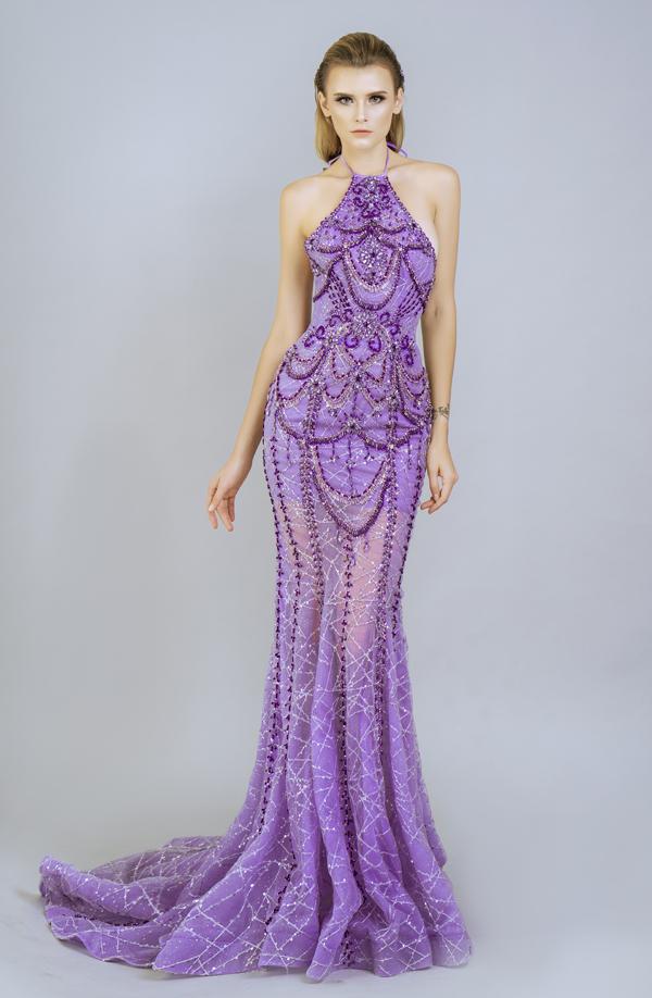 Trang phục mang vẻ đẹp sang trọng, gợi cảm chính là điểm mạnh để các thiết kế của Brian Võ luôn được lòng và nhận được sự yêu thích của nhiều người đẹp Việt.