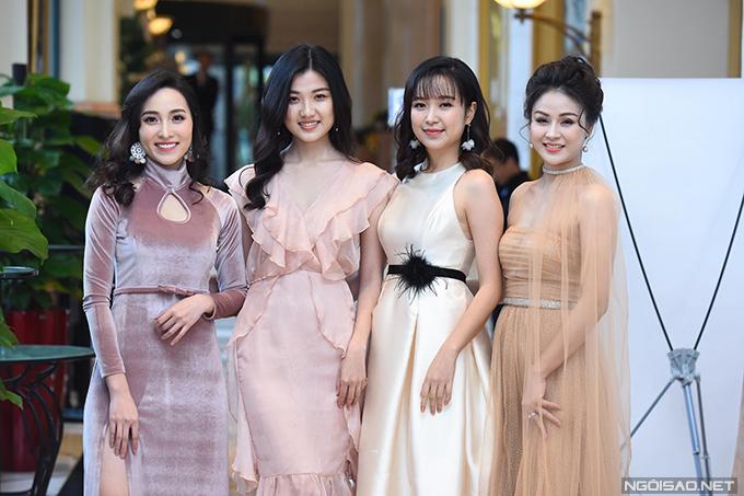 4 diễn viên chính của Những cô gái trong thành phố - Mai Anh, Lương Thanh, Kim Oanh, Thu Trang (từ trái sang).