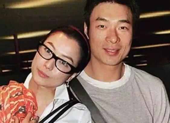 Hứa Chí An và vợ 28 năm bên nhau.