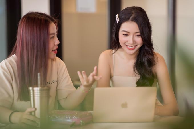 Á hậu Thúy Vân trở lại đi học Đại học - 1