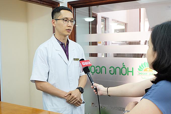 Bác sĩ Nguyễn Hữu Tùng chia sẻ về phương pháp cấy tóc bán vĩnh viễn.
