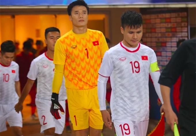 Quang Hải và đồng đội ra sân tại vòng loại U23 châu Á 2020. Ảnh: Đương Phạm.