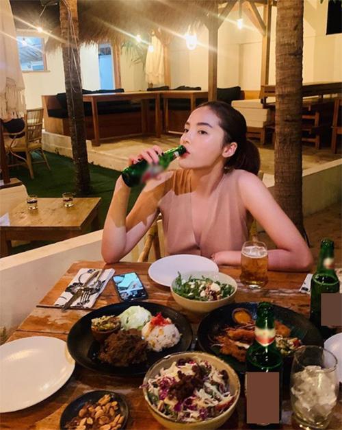 Hoa hậu Kỳ Duyên gây tranh cãi khi đưa ra lời khuyên: Là con gái không nên uống nhiều rượu, vừa hại da vừa không tốt cho sức khoẻ, lại còn say xỉn gây mất trật tự, nói chung là không nên uống.Nhưng bia thì được.