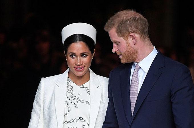 Vợ chồng Harry đang nóng lòng chờ đến ngày đón con đầu lòng. Ảnh: Reuters.