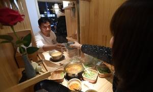Lẩu 'xóa ế' dành cho người cô đơn ở Trung Quốc