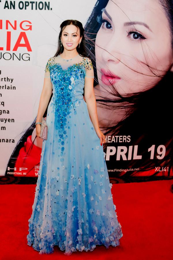 Hà Phương vừa có dịp thử sức với lĩnh vực điện ảnh. Cô đóng vai chính kiêm biên kịch và nhà sản xuất phim Finding Julia. Nữ ca sĩ tiết lộ, phim dựa trên 70% sự kiện có thật đã xảy ra trong cuộc đời cô.