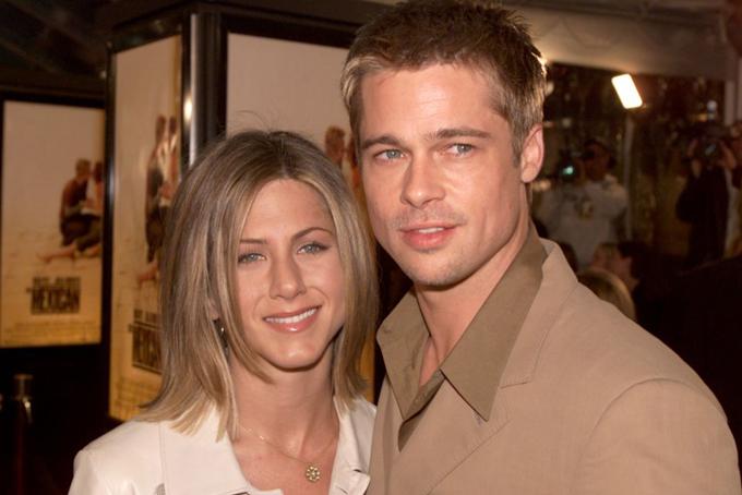 Khi còn là vợ chồngBrad Pitt và Jennifer Aniston từng sống tại căn biệt thự này ại Nam California (Mỹ). Cặp đôi nổi tiếng một thời ở Hollywood từng dành đến 3 năm để sửa sang căn nhà nhưng chỉ sống trong đó không đến 2 năm.