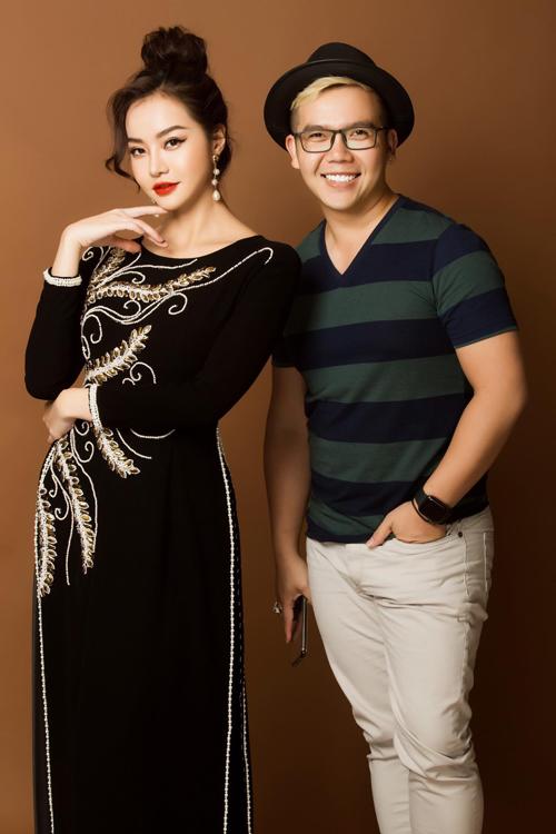 Bộ ảnh được thực hiện bởi sự hỗ trợ của trang phục: Áo dài Minh Châu, nhiếp ảnh: Bảo Lê, trang điểm: Thanh Phong, làm tóc: Hồng Anh, người mẫu: Én vàng Kiều Ngân