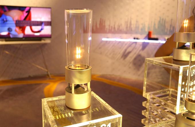Loa LED thủy tinh có hai phiên bảnLSPX-S1 và LSPX-S2