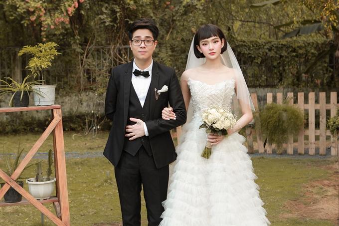 Bùi Anh Tuấn và Hiền Hồ kết hợp thực hiện MV Cưới nhau đi. Đây là dự án mở đầu chuỗi chương trình thuộc Gala Nhạc Việt Music Channel -Bài hát của tháng.