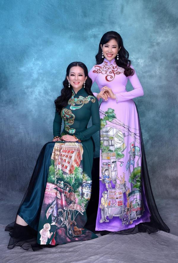 16 năm xa quê, nhan sắc Hương Thủy ngày càng mặn mà. Chị mang tâm hồn  của người phụ nữ nhiều trải nghiệm, giàu tình cảm, phù hợp để truyền tải thông điệp của những mẫu trang phục trong bộ sưu tập Kim.