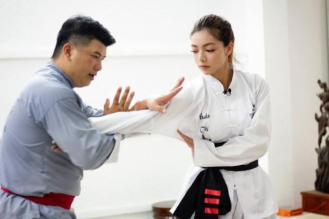 Katleen là con nhà võ, có khả năng võ thuật điêu luyện.