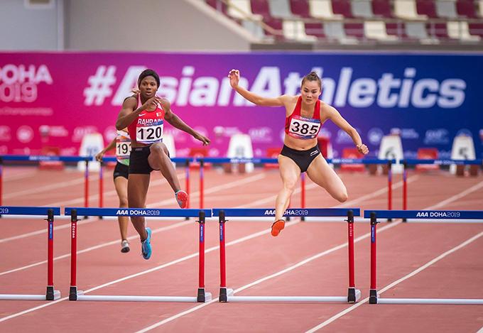 Quách Thị Lan (số 385) tại lượt thi chung kết 400m rào nữ. Ảnh: AAC FB.