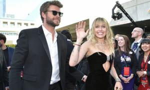 Vợ chồng Miley Cyrus dự ra mắt phần cuối 'Avengers'