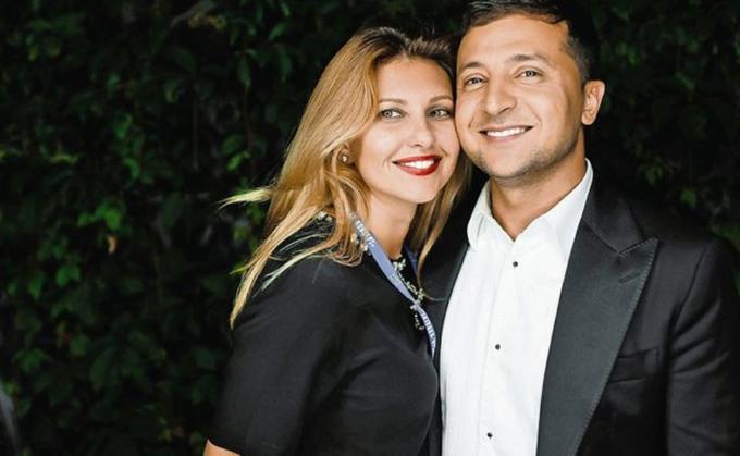 Vợ chồng danh hàiVolodymyr Zelensky, người vừa thắng cử tổng thống Ukraine hôm 21/4. Ảnh: