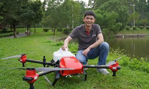 Doanh nhân Trung Quốc chế tạo máy bay không người lái làm nông