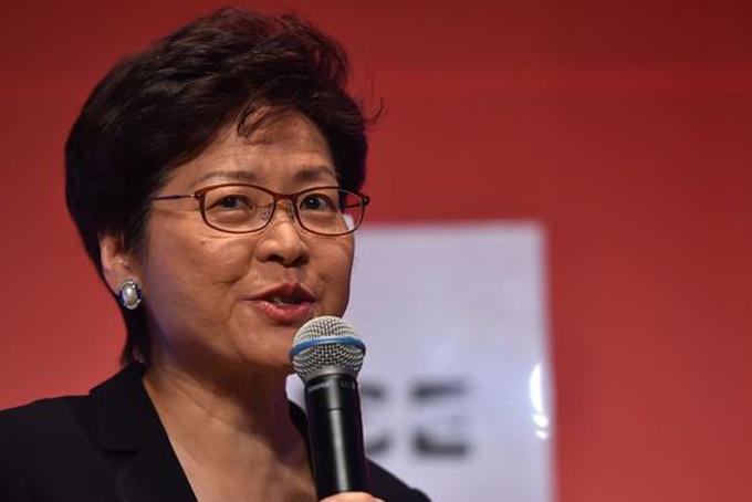 2. Carrie Lam. Trưởng đặc khu hành chính Hong Kong. Thời gian tại nhiệm: 1 năm 9 tháng.Mức lương hằng năm: 568.400 USD.GDP/người: 57.081 USD.