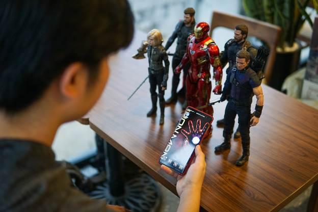 Chàng trai 9x Hà Nội khoe bộ sưu tập mô hình siêu anh hùng Marvel  - 3