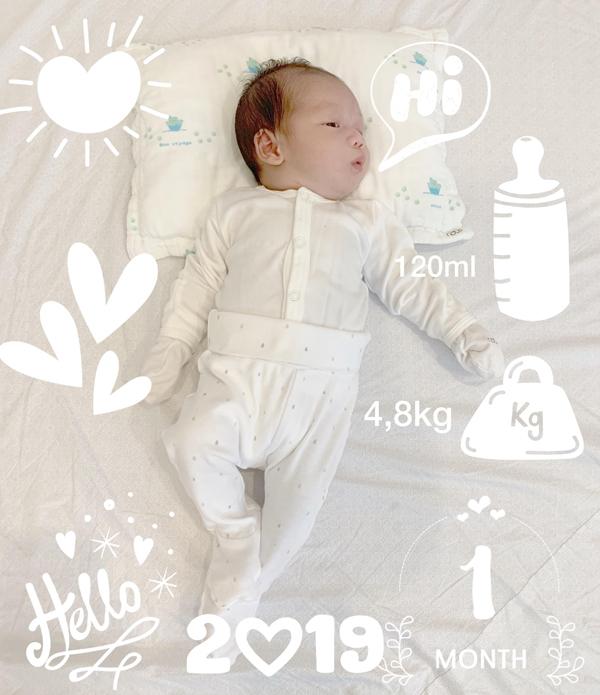 Owin tròn 1 tháng tuổi và nặng