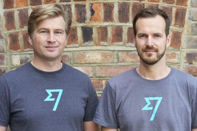 KristoKaamann (trái) và đồng sáng lập Taavet Hinrikus của TransferWise. Ảnh:BBC.