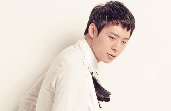 Ca sĩ, diễn viên Park Yoo Chun.